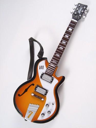 [42] 配件2 - 吉他