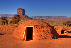 Navajo Indian Huts, Monument Valley (Thad Roan - Bridgepix) Tags: arizona utah indian huts navajo monumentvalley reservation abigfave 200711