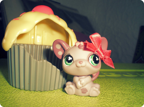 mousey & cuppie by Kaarin.