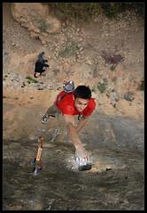 Apesanteur (Laurent Filoche) Tags: france nikon rockclimbing escalade millau dyno aveyron weightlessness notcropped cantobre bonzography nicolaschay outdoorportfolio missionimpossible8a