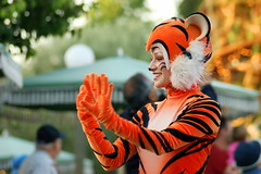 Parade of Dreams (SDG-Pictures) Tags: show california orange animals fun happy costume disneyland tiger joy performance dressup happiness disney parade entertainment southerncalifornia orangecounty anaheim performers enjoyment themepark role employees entertaining roleplaying disneylandresort paradeofdreams disneyparade magicmakers disneythemeparks disneylandcastmembers makingmagic disneycast disneyparades femaleperformers june52008 themeparkfun takenbystepheng rolesmagical