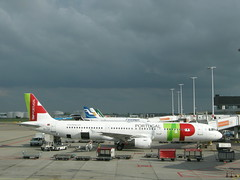 TAP at Schiphol (CruisAir) Tags: star 321 airbus tp alliance a321 airportugal tapportugal airbus321 cruisair