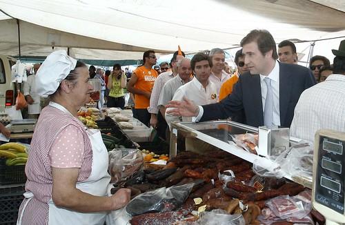 Pedro Passos Coelho visita a Feira do Silvado em Odiivelas