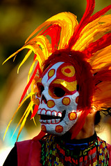 Damn Paparizzi (rtrabq) Tags: dayofthedead aztec dancer aztecdancer richarddavis nov4th supershot colorphotoaward bachspicsgallery photonawards rhdphotography diadelosmuetos noneofmyphotosmaybeusedwithoutmywrittenpermission