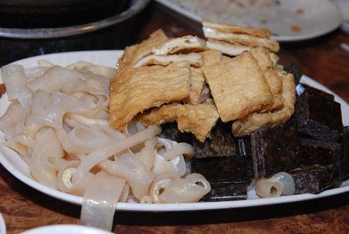 薑母鴨-鴨腸,米血糕,豆皮