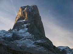 Cara Norte del Picu Urriellu (jtsoft) Tags: mountains landscape asturias olympus alpenglow picosdeeuropa e510 cabrales urriellu zd1454mm jtsoftorg