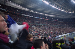 test match france-afrique du sud (ketou-daisuki) Tags: paris france film sports sport night stand rugby stadium supporter positive agfa spectator attendant ricoh gr1 stade applause stadedefrance saintdenis ctprecisa afriquedusud applaudissement