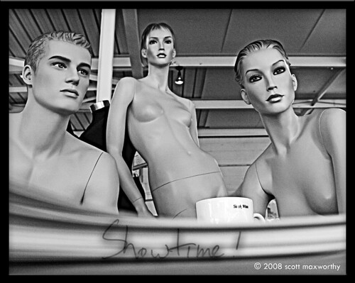 Black and white nude manequin models