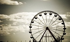 Happiness is... THE FERRIS WHEEL! (*Shey*[B]) Tags: family carnival blackandwhite canon vintage fun happy northcarolina fair ferriswheel laughter ncstatefair cmwdbw
