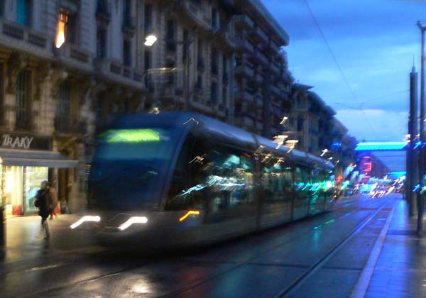 night-tram-40837