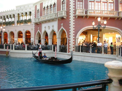Gondola Ride in The Venetian - Las Vegas por Old Shoe Woman.