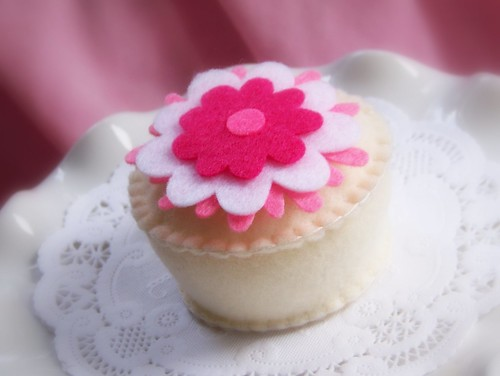 Yummy Felt Cupcake  -  You Make Me Blush!