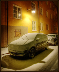 Thinking ahead (Kaj Bjurman) Tags: winter light snow car night dark sweden stockholm sverige bergen hdr kaj rda vasatan bjurman