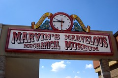 Marvin's Marvelous Mechanical Museum (Kristina_5) Tags: museum mechanical michigan funnysigns marvelous farmingtonhills marvins marvinsmarvelousmechanicalmuseum oddites ilovemypic weirdmichigan michiganoddites
