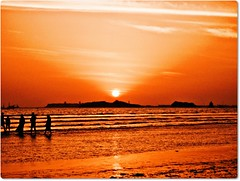 !!!end of the day!!! ((s@jj@d)~`~DiL~AwAiZ~`~ Back) Tags: pakistan sunset red sea portrait sky sun white black colour love nature beautiful beauty yellow portraits asia pakistani lover syed karachi nwfp pabbi shah landscap landscaps dil sajjad cliften peshawer nowshera chirat awaiz dilawaiz