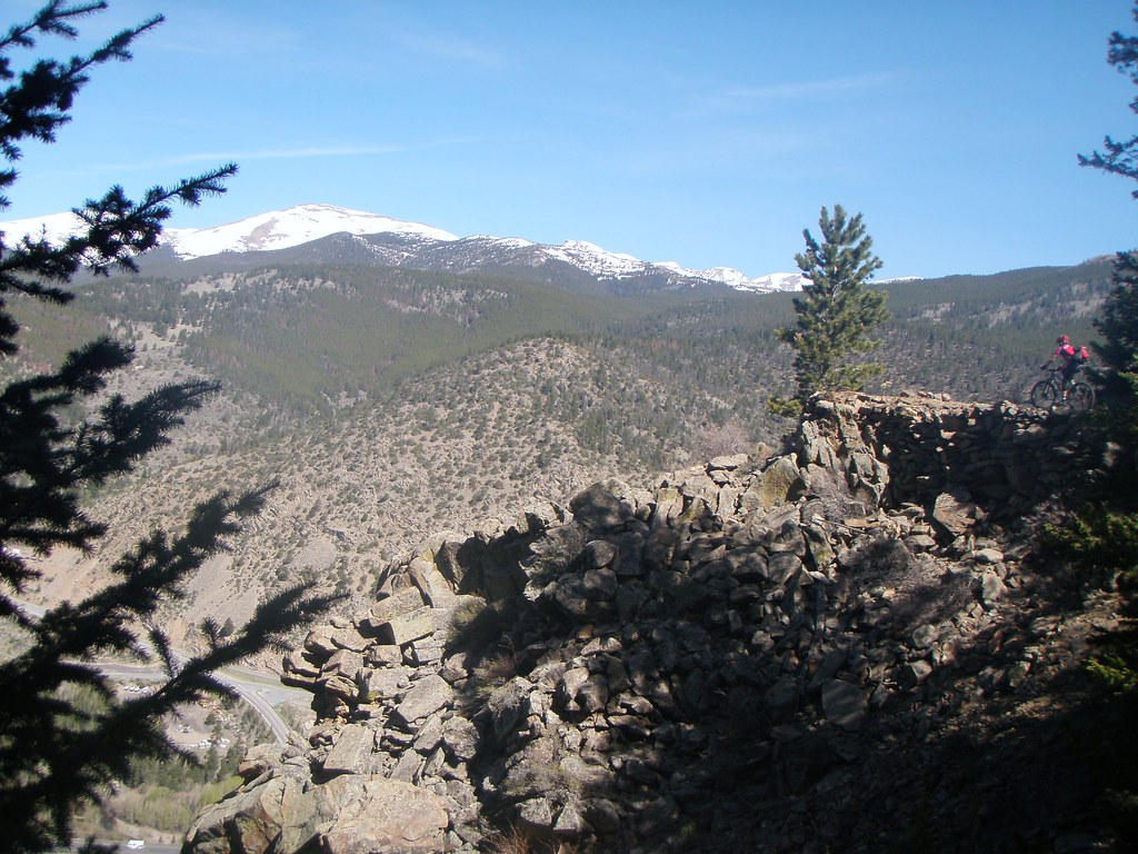 Tour De Mines