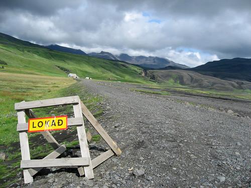 Señal de carretera cerrada