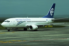 Air New Zealand B737-319 ZK-NGI
