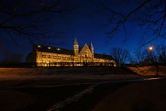 Hovedbygningen på NTNU i blåtimen (Arve Johnsen) Tags: norway norge norwegen bluehour trondheim gløshaugen ntnu norvege blåtimen skumringstimen osm:way=30285309
