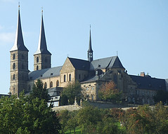 Bamberg: St. Michael's Church (bill barber) Tags: art museum architecture germany deutschland bavaria bill arquitectura cathedral main bamberg william franconia steeple unesco spire german barber architektur alemania benedictine stmichael romanesque tyskland allemagne soe architettura bundesrepublik casanova gable germania alemanha duitsland deutsche arkitektur rivercruise architectur freakinawesome regnitz frankonia almshouse allyouneedislove domb billbarber steigerwald doitsu niemcy michaelskirche njemaka saksa nmetorszg deilmann golddragon njemacka  nemecko abigfave flickrgold shieldofexcellence platinumphoto anawesomeshot ultimateshot superbmasterpiece diamondclassphotographer flickrdiamond citrit envyofflickr excellentphotographer betterthangood wdwbarber williambarber peterdeilmann bbarber1 mscasanova germnia
