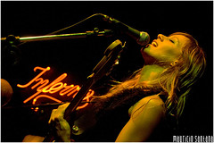 Leela @ Inferno - 09/02/08 (New Flickr UP! flickr.com/mauriciosantana) Tags: show brazil music woman girl rock brasil banda concert live stage gig band musica inferno augusta santana ao leela aovivo mauricio vivo tuxhc mauriciosantana