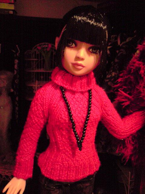 CharlIE :)) dans un beau pull rouge tricoté par Nadine :) Page 2 et 3 :) 2374387707_d6742b1036_o