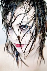 Wet look 1 (guerriere) Tags: portrait woman france colors face norway portraits nikon bravo rebecca aixenprovence peoples couleur dusjen sauvage blueribbonwinner nikond200 lebestift aplusphoto guerriere diamondclassphotographer ysplix graater leiseg nskottun