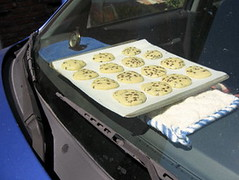 3723453225 c1804bfec8 m Turn your car into a solar oven: Bake cookies in your overheated car