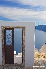 Santorini door (Yanni