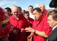 Chávez y Lukashenko develan placa inaugural de...