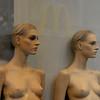McDonalds (Werner Schnell (1.stream)) Tags: mannequin nikon mcdonalds schaufensterpuppe dortmund ws adoublefave