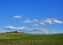 The Thin Red Line (Firenzesca) Tags: italy cloud landscape italia country tuscany toscana valdorcia crimeanwar abigfave diamondclassphotographer platinumphotography theperfectphotographer goldstaraward dragongoldaward 93rdhighland explorehighestposition97ontuesdaymarch182008 battleofbalaclava