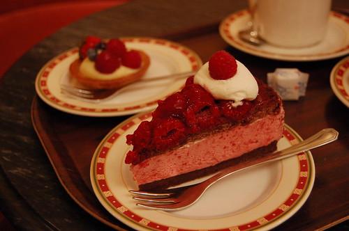 一番のおすすめらしいラズベリーチョコケーキ
