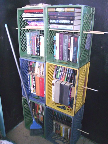 Perfect Shelves Diy Bookshelf Diy Bookcases Made Of Planks Milk Crates