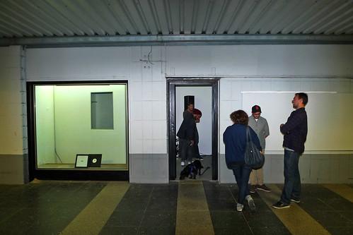 Kunstraum am Ostbahnhof mit  Releasage. Juni 2011