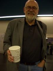 Wolfgang Wippermann freut sich