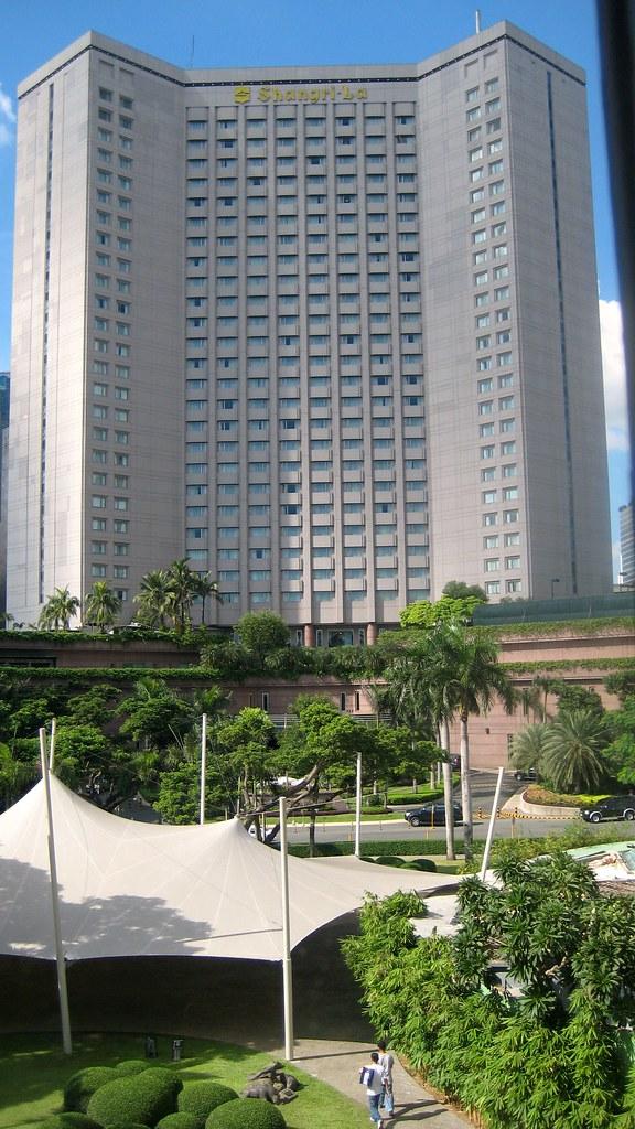 2181524005 9bde18526a b - Beautiful Shangri-La Hotels