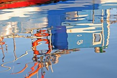 So good for the soul.... (Loca....) Tags: portugal docks reflections setbal setubal reflexos docas locabandoca mdpd2008 ilustrarportugal my2008dailyphotodiary mdpd200801 mdpd2008minichallengegoodforthesoul 2312008