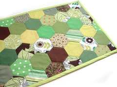 Tablemat (Frangines) Tags: brown green quilt sewing craft sew mat fabric quilting hexagon patchwork crafting tablemat frangines napperon