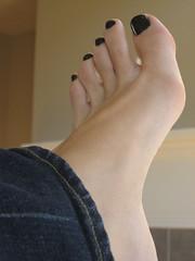 My Pedicure - Black Nails! (BloGGingHoLLy) Tags: foot toes jeans pedicure blacknailpolish