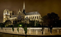 Notre Dame by night (cPutter) Tags: panorama hdr novideo hugin tonemap qtpfsgui cputter