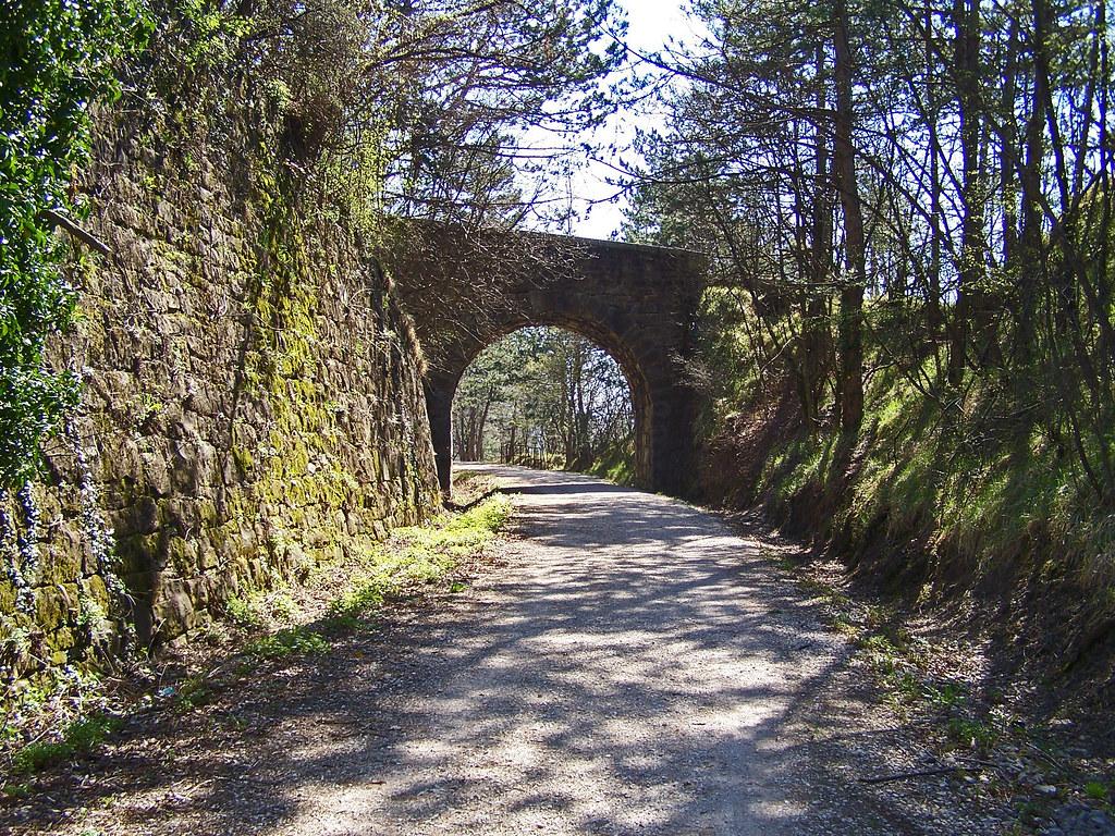 Vecchio tracciato ferroviario