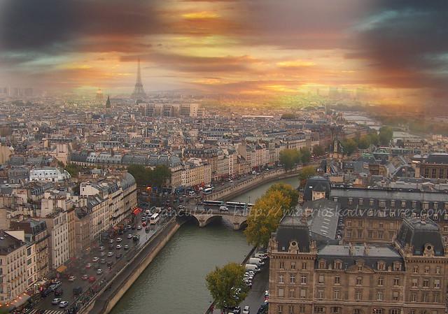 immagine foto panoramica di Parigi vista dall'alto