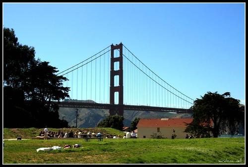 siyang nasa pagitan ng lunsod ng San Francisco at lalawigan ng Marin