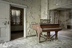 (deNNis-grafiX.com) Tags: abandoned hospital decay leer piano sanatorium derelict krankenhaus urbanexploring verlassen urbex flgel klavier marode