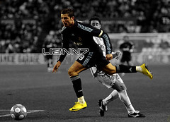 Cristiano Ronaldo (LizNN7) Tags: world madrid africa espaa white black color cup portugal sepia real football europe do fussball fifa soccer south wm player nike da mundial madeira sokker ilha ronaldo copa cristiano futebol vapor sul league forward bilder champions futbal fotball ftbol voetbal funchal fodbold 2010 calcio pika footballer frica  portugus jalkapallo mercurial jalgpall nona nogomet speler fussballer delantero atacante voetballer fodboldspiller attaquant forvet jalkapalloilija stmer attacante annvaller liznn7