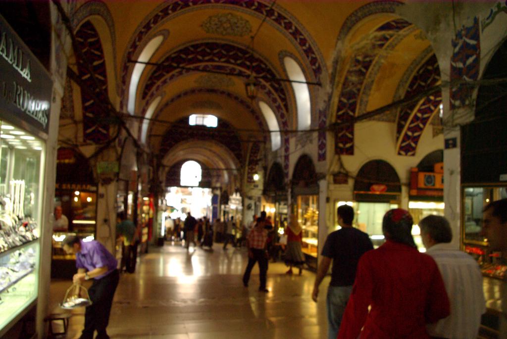 Grand Bazaar (kapalı çarşı)  Istanbul through my eyes