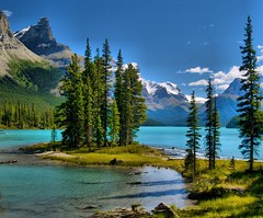 Maligne Lake Wonder (Matt Champlin) Tags: life blue summer snow canada mountains fall cool jasper afternoon searchthebest spirit crisp alberta maligne jaspernationalpark malignelake spiritisland abigfave perfectangle frhwofavs thegoldendreams