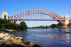 Hell Gate Bridge over East River, Manhattan-Queens, New York City (jag9889) Tags: railroad bridge newyork puente arch crossing manhattan bridges ponte queens amtrak eastriver astoria