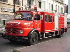 La legendaria unidad 8 (Upper Uhs) Tags: argentina 8 firetruck mercedesbenz rosario fires feuerwehr bomberos brandweer pompiers bombeiros straz itfaiye sapeurspompiers autobomba bomberosvoluntarios unidad8